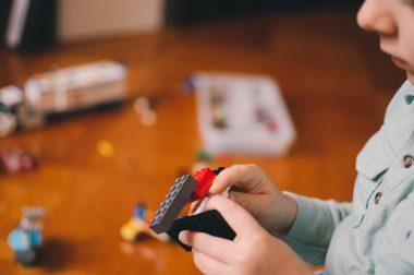 beneficios de jugar lego en los niños